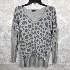 ❤️ 3/$20 Express Gray Leopard Print Hi Lo Sweater